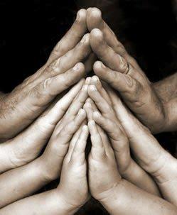 manos unidas orando8843658786640946170..jpg